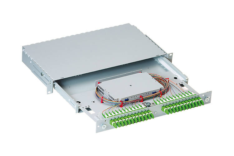 "R&M R303757 FIBER OPTICS PATCH PANELS 19"" UNIRACK 12xE-2000™ G.652.D, APC, ceramic, B/1"